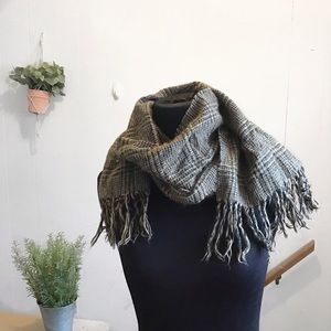 Accessories - Brown and Black Fringe Houndstooth Scarf!